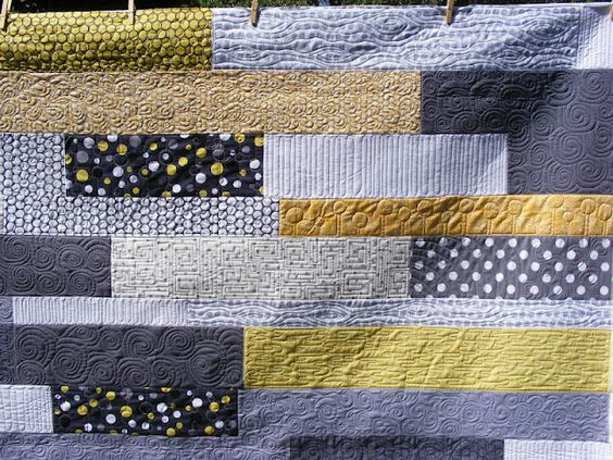 tia curtis quilts: Julie's Yellow and Gray quilt