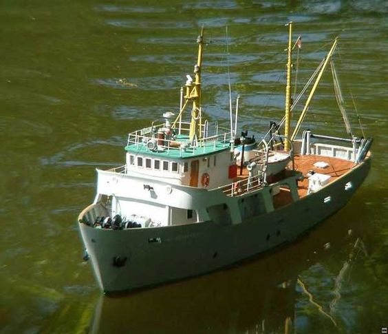 Hobby al moktashef fishing vessel blueprints free model for Model fishing boats