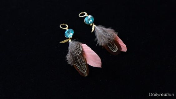 DIY bijou: des boucles d'oreilles à plumes