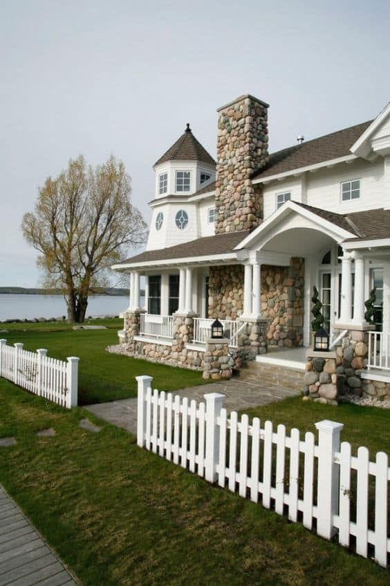 32 White Picket Fence Ideas For 2019 White Picket Fence House