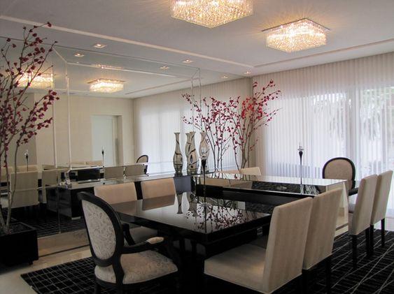 Linda mesa com aparador embutido em salas de jantar e cozinhas ...