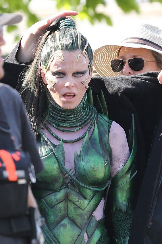 Brad Pitt, Tom Hardy, Bella Thorne, Christopher Nolan...attention, ça tourne ! (27 PHOTOS)