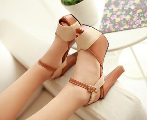 Giày cao gót hỡ mũi đế vuông 10.5cm
