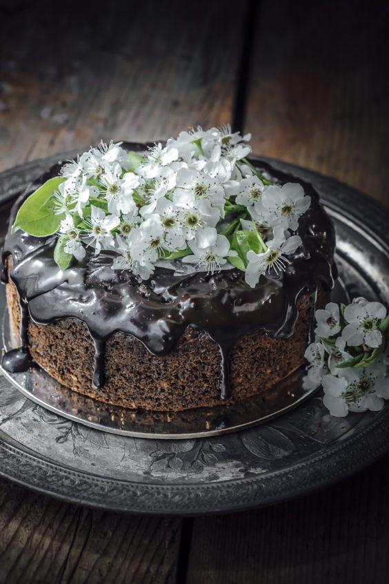 Super moist chocolate zucchini cake recipes