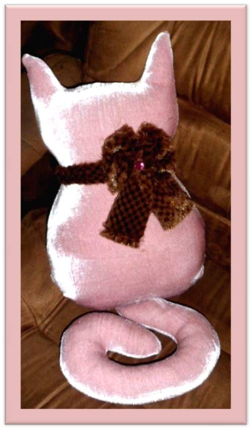 Primeira criação de Pillows... A todo vapor!!!  Encomendas e pedidos.. (81) 3719-0234 / 9780-1929  DecoraLar - Personalizações