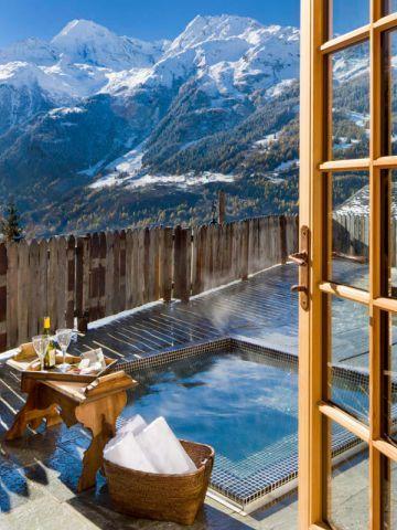 Chalet Pélerin : Bain bouillonnant avec vue sur la montagne