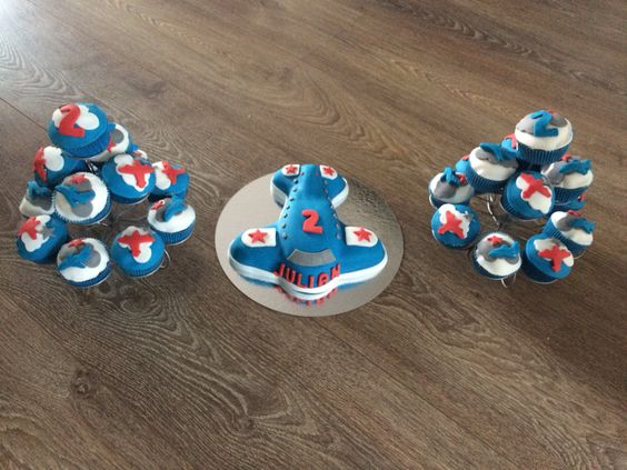 Vliegtuig taart + cupcakes