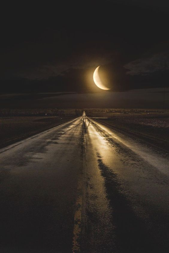Midnight Highway | Fantasy Road Trip | Road Trip | Road | Road photo | on the road | drive | travel | wanderlust | bucket list | landscape photography | photographer | Schomp MINI