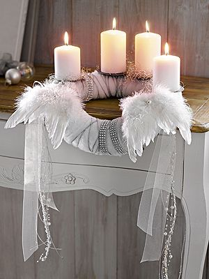 half gebogen over de rand white life ©: Adventskranz - Advent wreath