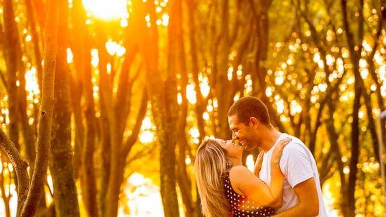Lá vem o Sol ... 19/04/2016  ·  ENSAIO FOTOGRÁFICO Kelly e Max Sessão Pré Wedding I São Caetano do Sul Era aqui, era acolá ... era praia, era campo ... era flor ... era jardim ... era Botânico ... era para ser um monte de lugar ... mas o lugar foi aqui , onde um e outro está ... onde o amor está ... e lá estava também o Sol ... estava o brilho ... o olhar ... estava vocês Kelly e Max ... Agora é só segurar a ansiedade para o próximo dia 24 / 04 / 2016 ... O lugar é o Altar !  Nota do ...