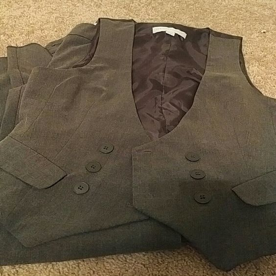 New york and Company 2 piece suit Dark Grey, vest is a 0 and pants size 2 New York & Company Pants Straight Leg
