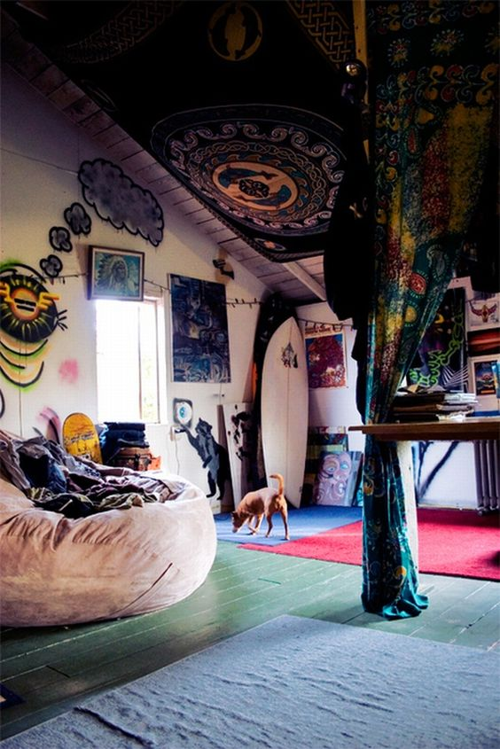 17 best images about fois rien plafonds vo t s id es for Chambre hippie