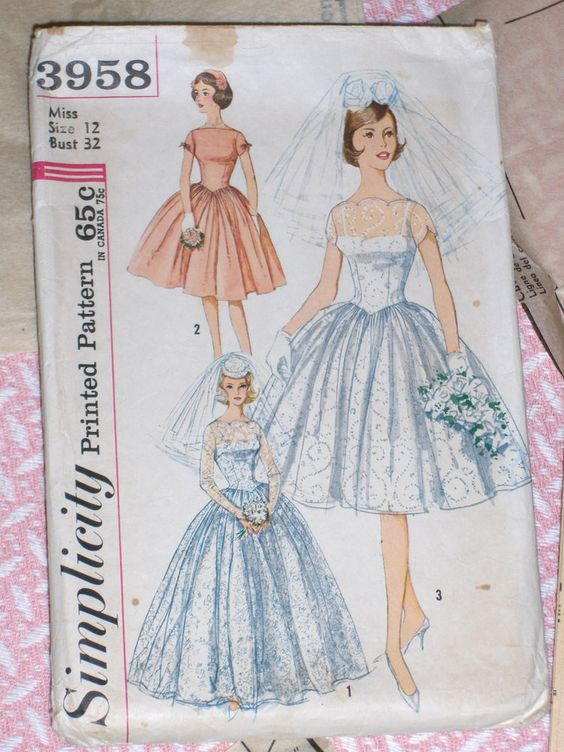 Vintage 1960's Wedding Dress Bridal Gown SIMPLICITY Sewing Pattern 3958  Size 12