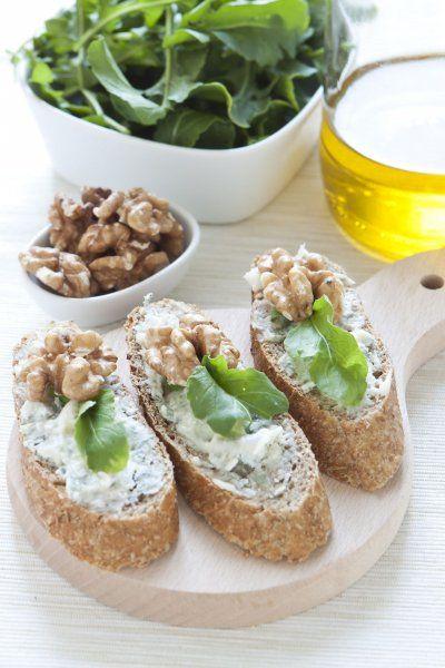 Walnuss, Rucola und Gorgonzola Crostini Rezept