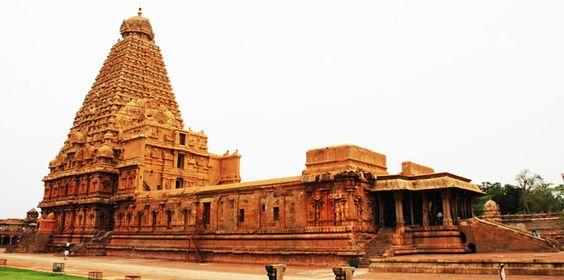Top 30 Famous Temples in India: Tour My India  Brihadeeswara Temple, Thanjavur