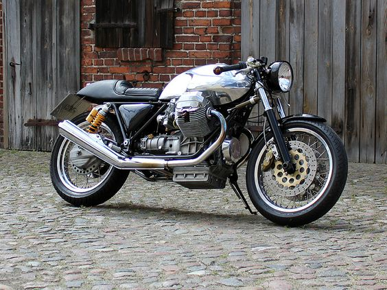 Moto Guzzi Cafe Racer by Urban Motor :: via Motoverso