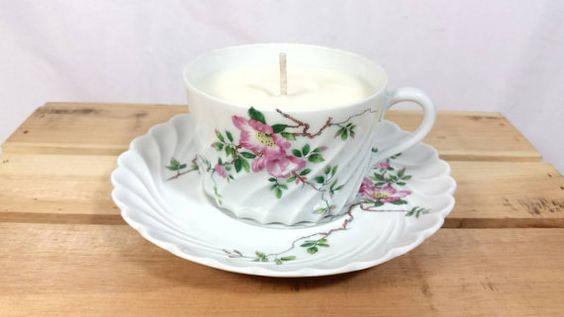 Check out this item in my Etsy shop https://www.etsy.com/listing/234977176/vintage-haviland-limoges-france-teacup