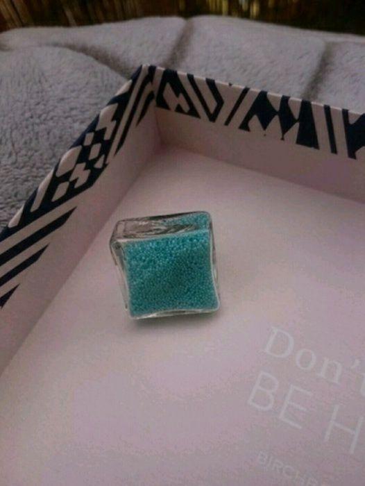 Bague en verre et micro billes bleu