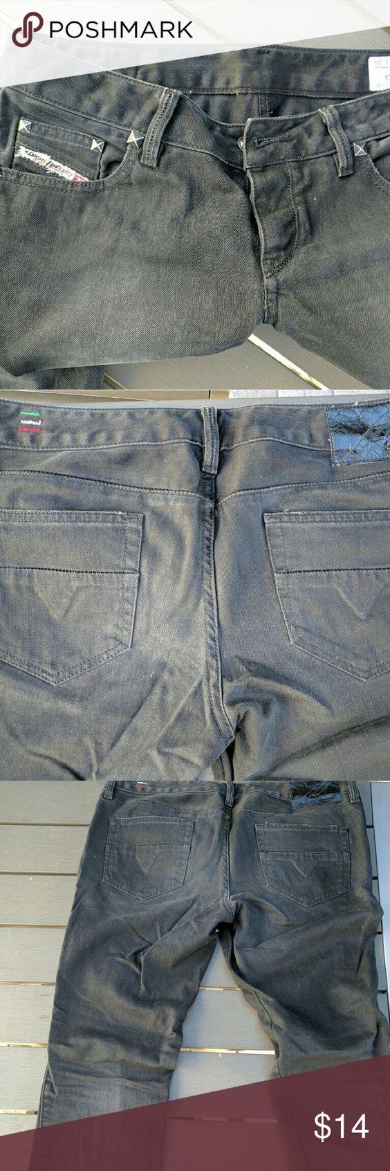 Vintage Diesel Black  SkinnyJeans The original skinny jean, these are Diesel Made In Italy. Rugged premium denim. 29x34. Manufactured date on tag. Diesel Jeans Skinny