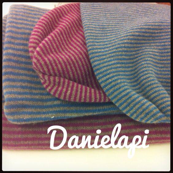Tanti caldi colori autunnali e tessuti avvolgenti per le sciarpe e cappelli @danielapiaccessoriesandsoon #winterwithlove #wintermood #ootd #colours #texture #FW15 #danielapiaccessoriesandsoon www.porsiaedenora.com #love