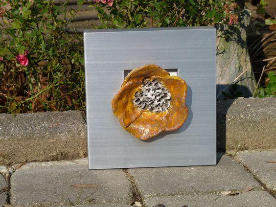 Petite fleur Raku dans cadre métal brossé