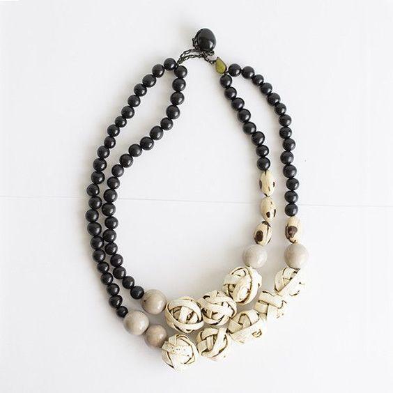 Aros Necklace . Natural & Black Multi