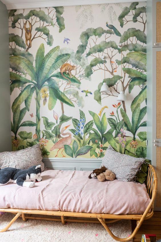 The Socialite Family | Chambre tropicale chez Vanessa Faivre #thesocialitefamily #lifestylemagazine #interiordesign #interiorinspiration #homedecor #hometour #designinspo #familyportrait