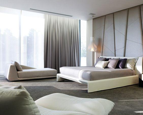 tumbona preciosa en el dormitorio moderno