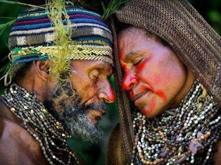 "-""SAWABONA""  -""SHIKOBA"": Timothy Allen, South Africa, Common Greeting, Central Highlands, Courtship Ritual, Beautiful People, Northern Natal, Papua New Guinea"
