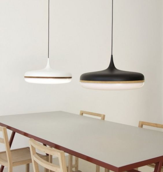 Droplet Lamp par Viktor Legin Design