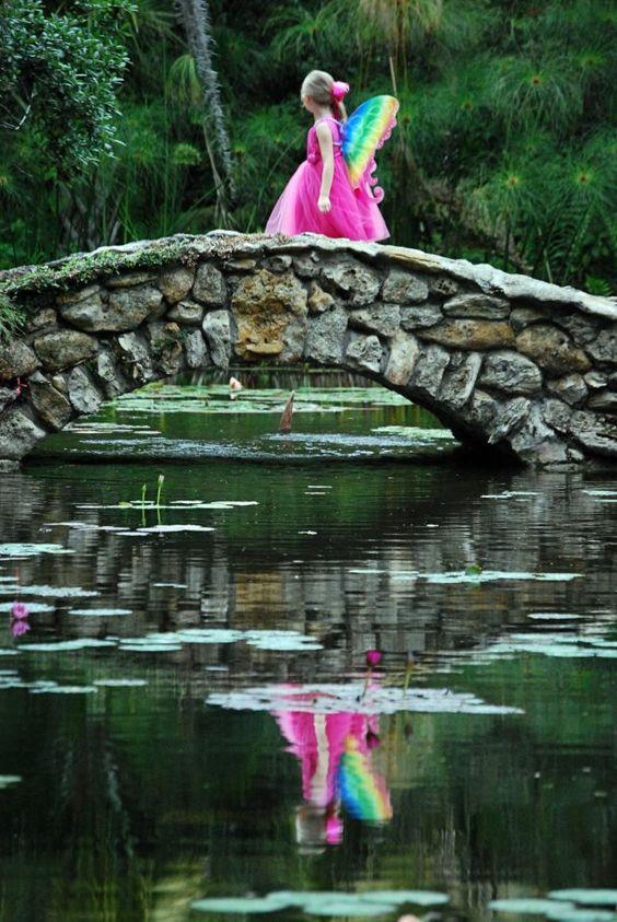 Linda Reed Wells. Old Moss Woman's Secret Garden