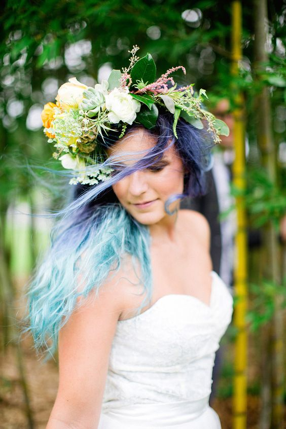 Here comes the perfectly-dyed bride.
