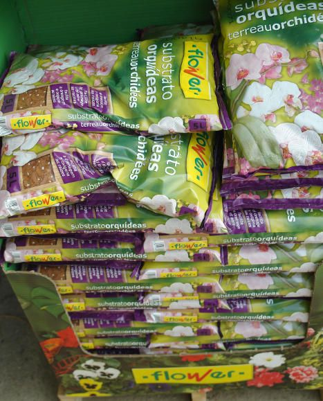 Terres específiques: sacs de substrat per a orquídies.