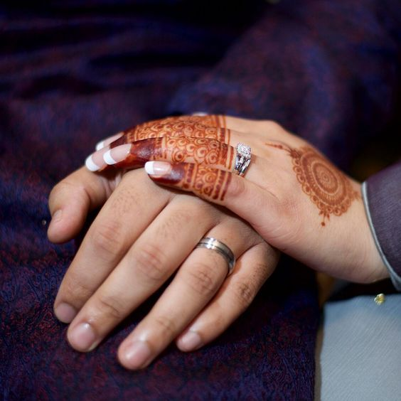 The Henna Circle offers brides' beautiful mehndi in a range of traditions and styles. The Henna Circle - http://www.thehennacircle.com/