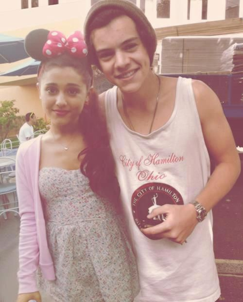 ariana grande | Harry Styles @Zoe James this is the picture I was talking about!!!!
