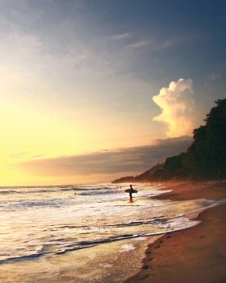 5 Adventurous Honeymoon Destinations for 2015: Ride the Waves in Costa Rica