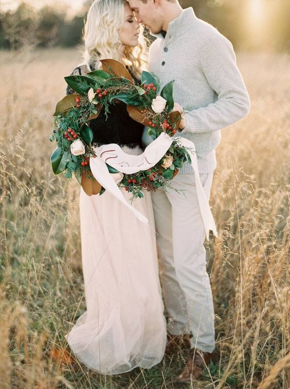 Christmas inspired winter engagement shoot via Magnolia Rouge