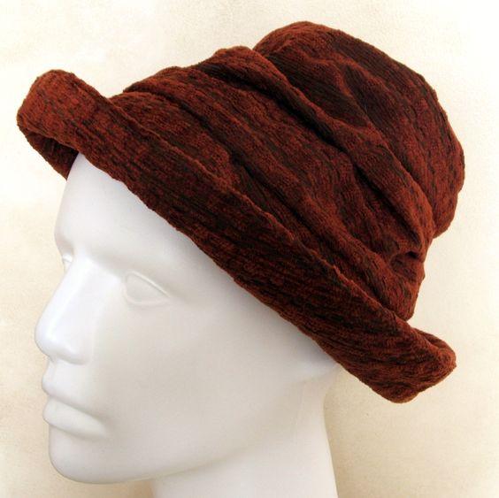 Chapeaux en velours