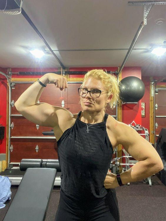 Beth Phoenix Beth Phoenix Fitness Body Gym Workouts