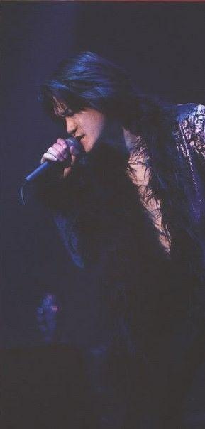 ブラック衣装toshi