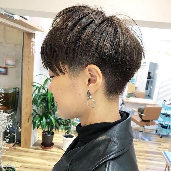 ベリーショートでカッコいい女性に ピアスも映えます お問い合わせはline公式アカウントからも可能です Coast ベリーショート ショートヘア ショートカット ヘアカタログ 髪型 かりあげ女子 福 アジア人 ショートヘア ベリーショートボブ