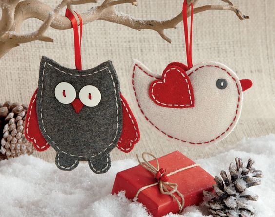 felt ornaments for the tree or as gift wrapping accents: owl and Christmas lovebird: