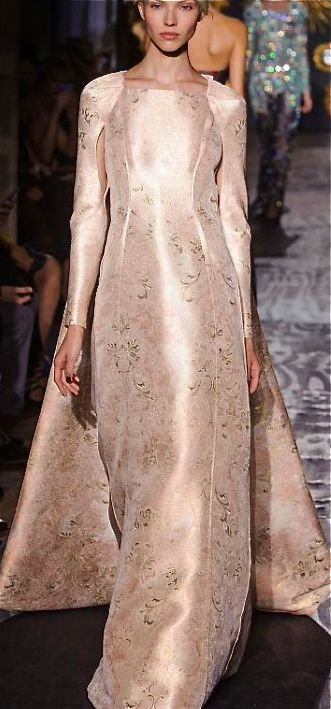 •❈• Valentino Rose Gold Gown 2014.