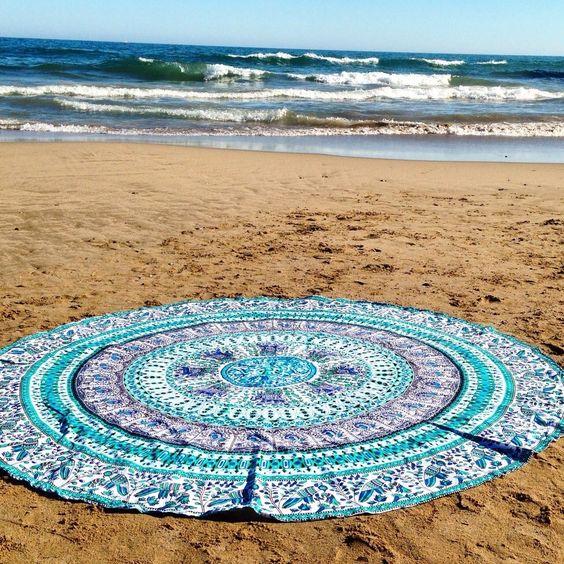 Hermosas toallas de playa redondas con un estilo boho chic - Toallas de playa dobles ...