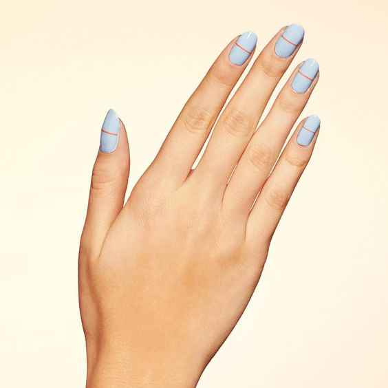 The only thing on our horizon for today is a relaxing Saturday + this linear Gridlock mani. #paintboxmani #nails #nailart