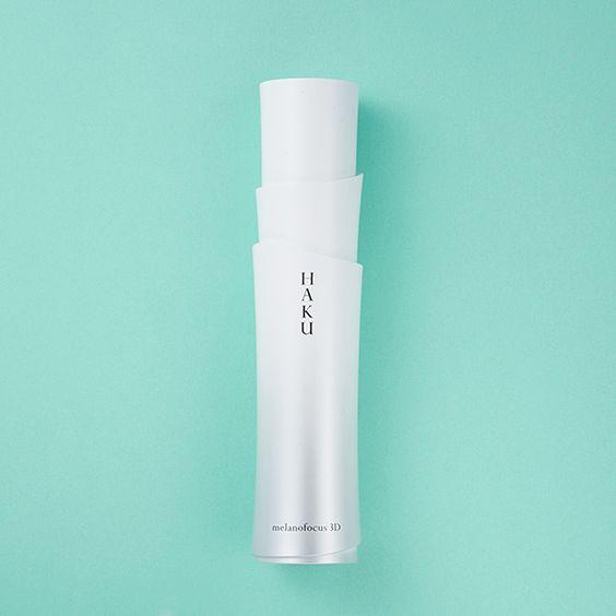 2016年のベストコスメ・上半期編を決定すべく、美容賢者20名に今年イチオシの優秀品をリサーチ。美容液・乳液・クリーム部門のトップ3を発表します。