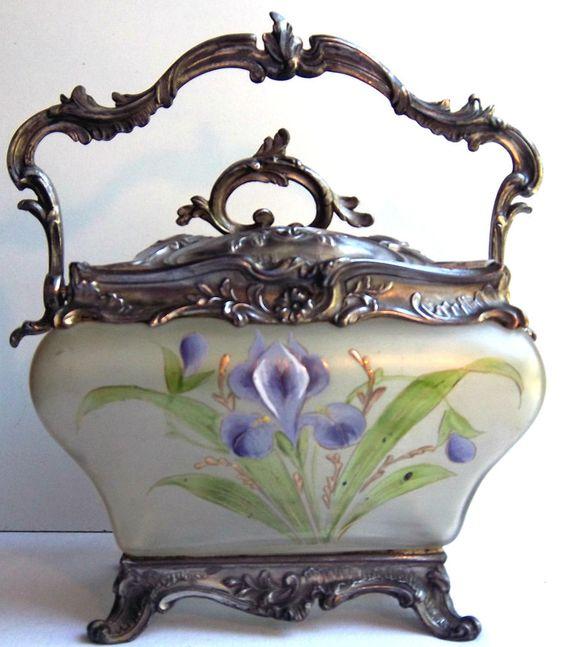 Seau à biscuits pot rectangle Rocaille Louis XV verre émaillé Legras: Iris bleus