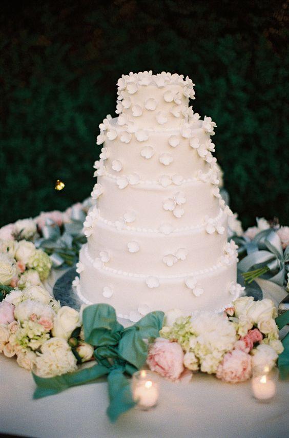 dainty petaled #wedding #cake | Gabe Aceves