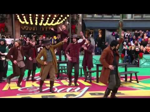 """Fiddler on the Roof"" brings down the house at the Macy's Day Parade! 