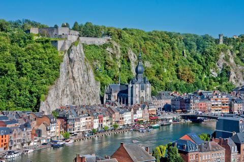 Dieses Charmante Stadtchen Steckt Voller Geschichte Schone Orte Belgien Urlaub Reiseziele